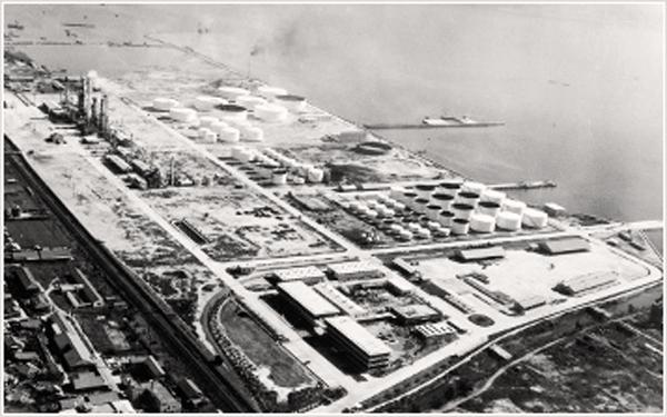 Строительство первого НПЗ Идемицу, 1957 г.