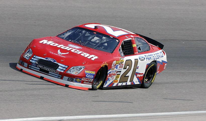 Motorcraft - спонсор гонок NASCAR.