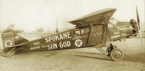 Самолеты авиакомпании Spokane Sun God заправляются авиационным бензином Texaco, 1929 г.